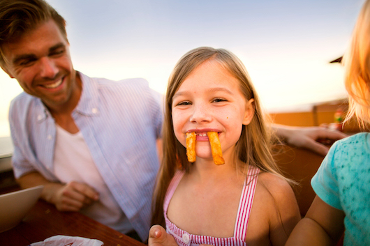 marketing-images-2015-photo-shoot-family_dining_0037_jk_hr-530p